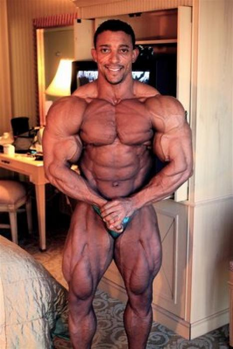 picture of IFBB Pro Troy Alves